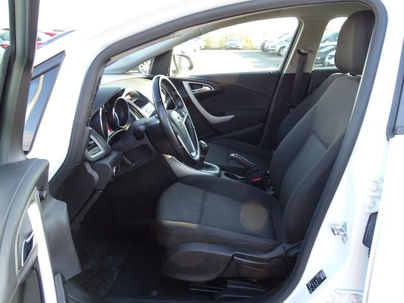 Photo 3 de l'offre de OPEL ASTRA 1.7 CDTI110 FAP BLACK & WHITE à 7890€ chez International Auto Auneau