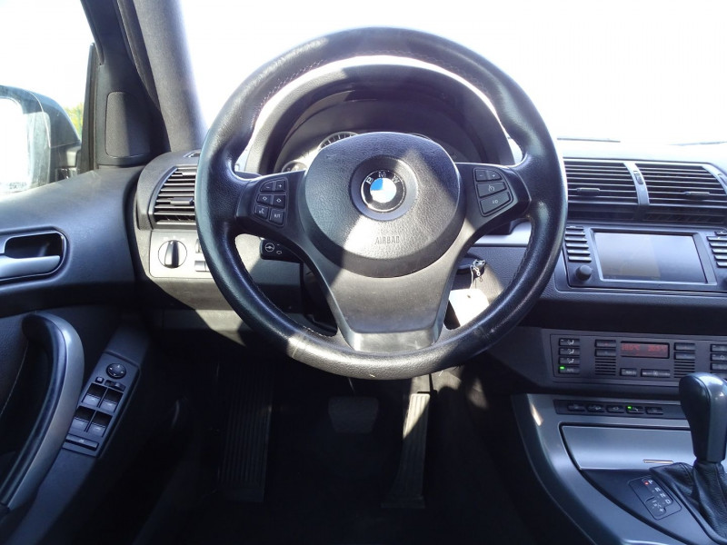 Photo 15 de l'offre de BMW X5 (E53) 3.0DA 218CH PACK LUXE à 10390€ chez International Auto Auneau