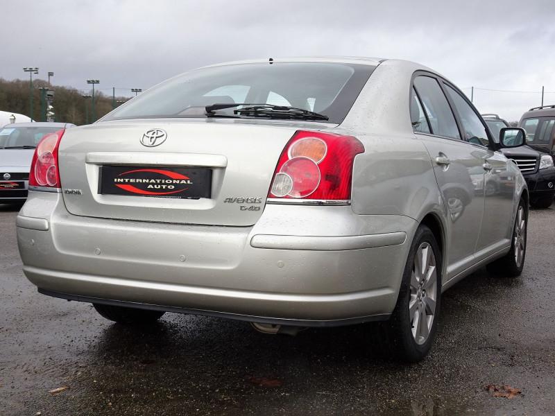 Photo 2 de l'offre de TOYOTA AVENSIS 126 D-4D TECHNO PACK 5P à 5890€ chez International Auto Auneau