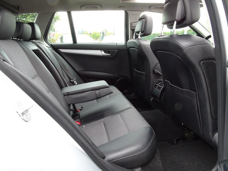 Photo 9 de l'offre de MERCEDES-BENZ CLASSE C BREAK (S204) 220 CDI BE AVANTGARDE BA à 12690€ chez International Auto Auneau