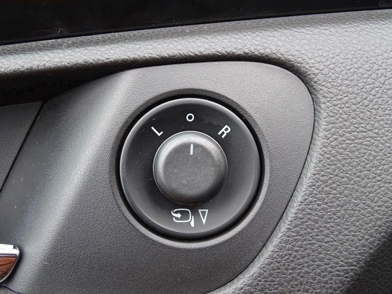 Photo 6 de l'offre de OPEL INSIGNIA 2.0 TURBO COSMO PACK BA 5P à 9990€ chez International Auto Auneau