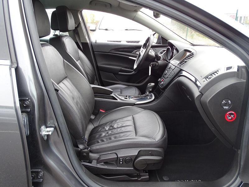 Photo 16 de l'offre de OPEL INSIGNIA 2.0 TURBO COSMO PACK BA 4P à 9990€ chez International Auto Auneau