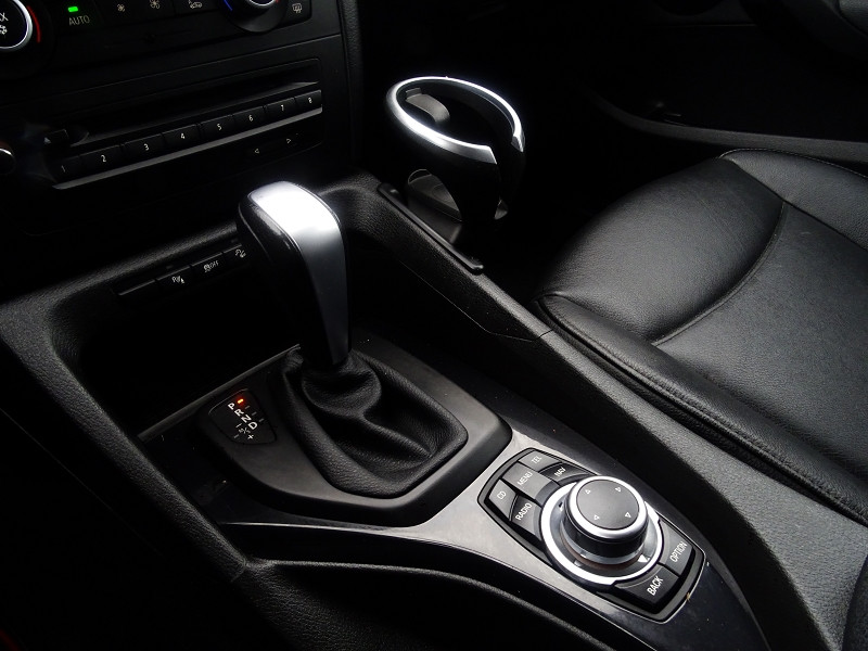 Photo 5 de l'offre de BMW X1 (E84) XDRIVE23DA 204CH LUXE à 13490€ chez International Auto Auneau