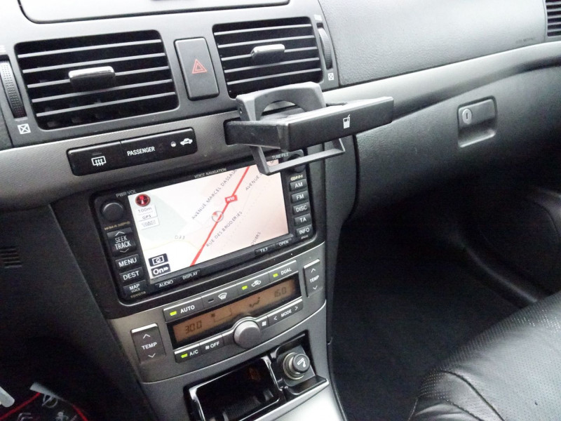 Photo 12 de l'offre de TOYOTA AVENSIS 126 D-4D TECHNO PACK 5P à 5890€ chez International Auto Auneau