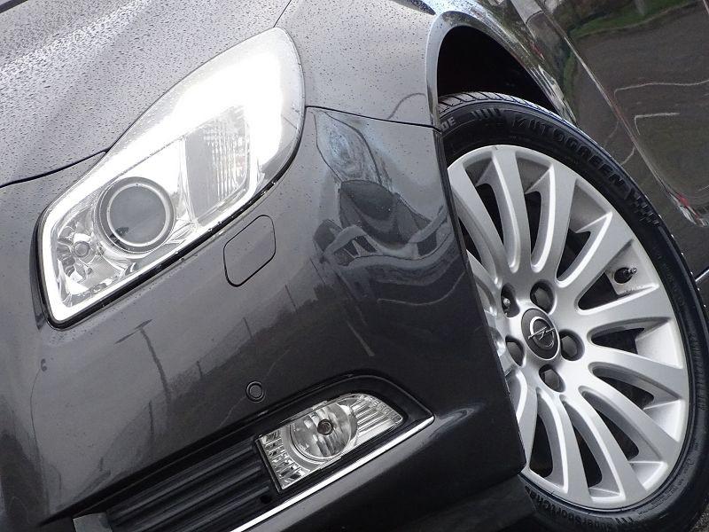 Photo 2 de l'offre de OPEL INSIGNIA 2.0 TURBO COSMO PACK BA 4P à 9990€ chez International Auto Auneau