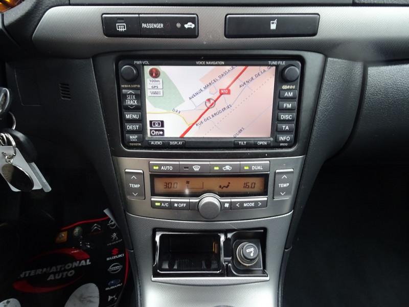 Photo 11 de l'offre de TOYOTA AVENSIS 126 D-4D TECHNO PACK 5P à 5890€ chez International Auto Auneau