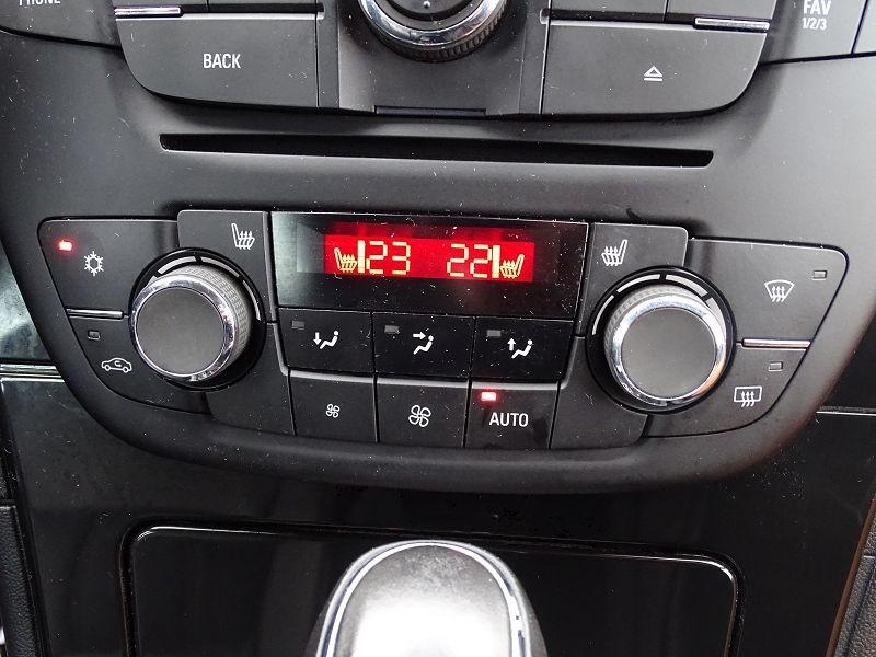 Photo 18 de l'offre de OPEL INSIGNIA 2.0 TURBO COSMO PACK BA 5P à 9990€ chez International Auto Auneau