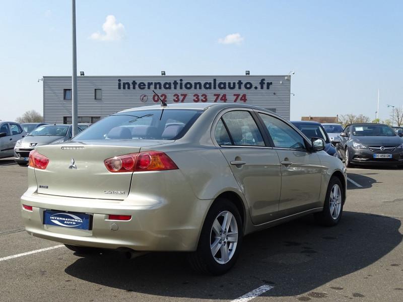 Photo 2 de l'offre de MITSUBISHI LANCER 2.0 DI-D INTENSE 4P à 7490€ chez International Auto Auneau