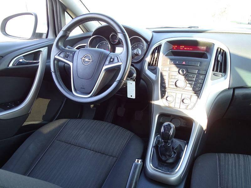 Photo 12 de l'offre de OPEL ASTRA 1.7 CDTI110 FAP BLACK & WHITE à 7890€ chez International Auto Auneau