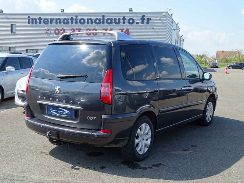 Photo 2 de l'offre de PEUGEOT 807 2.2 HDI130 SR FAP à 5390€ chez International Auto Auneau