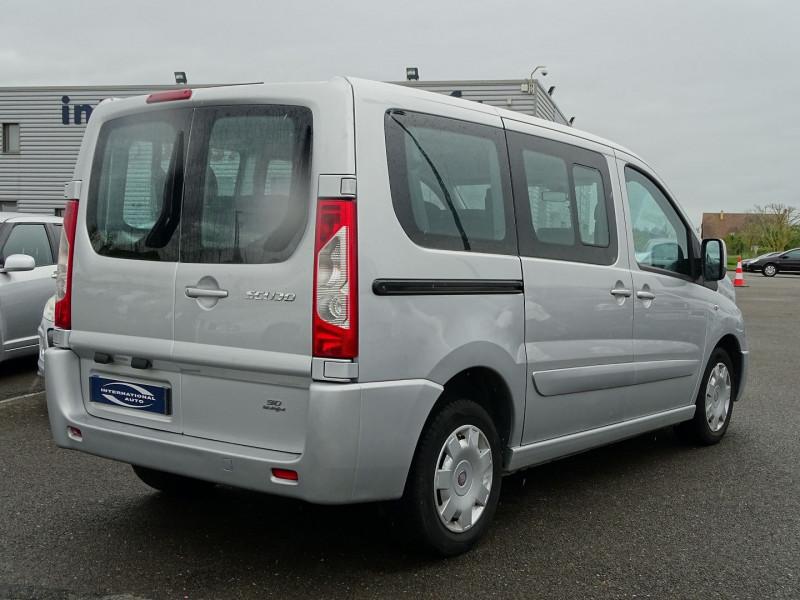 Photo 2 de l'offre de FIAT SCUDO PANORAMA CH1 1.6 MULTIJET 16V 90CH 8/9 PLACES à 11990€ chez International Auto Auneau