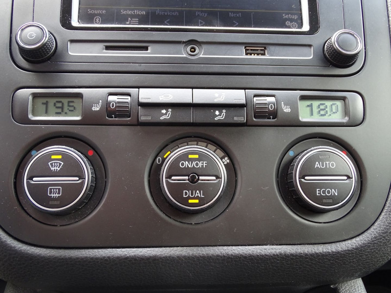 Photo 4 de l'offre de VOLKSWAGEN GOLF V 1.4 TSI 170CH GT SPORT 3P à 8790€ chez International Auto Auneau