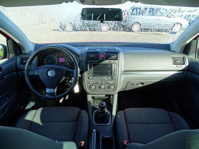 Photo 10 de l'offre de VOLKSWAGEN GOLF V 1.4 TSI 170CH GT SPORT 3P à 8790€ chez International Auto Auneau