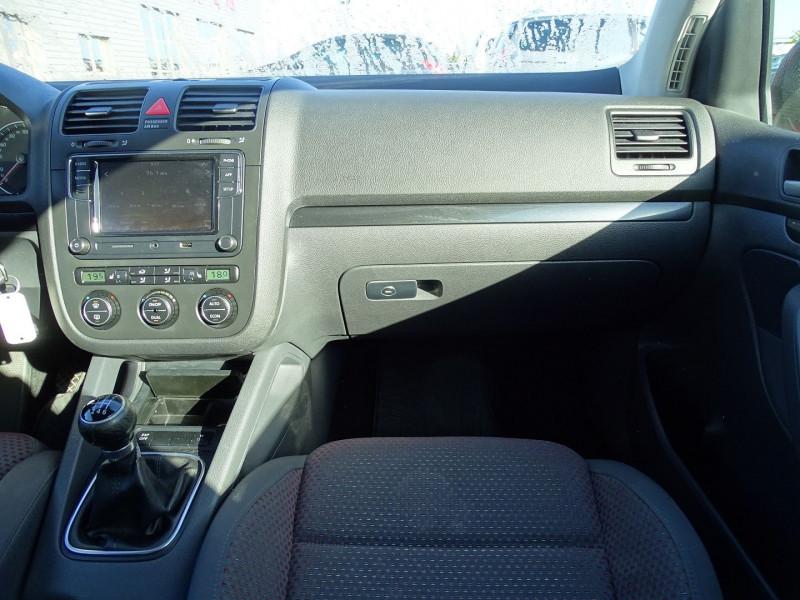 Photo 9 de l'offre de VOLKSWAGEN GOLF V 1.4 TSI 170CH GT SPORT 3P à 8790€ chez International Auto Auneau