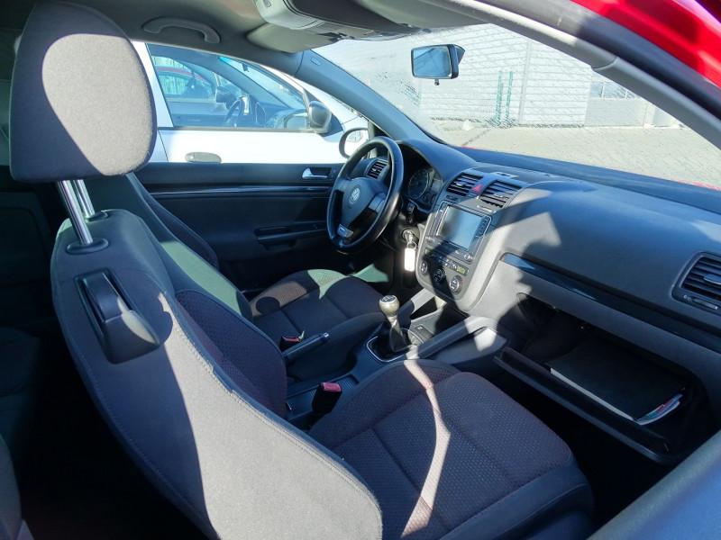 Photo 7 de l'offre de VOLKSWAGEN GOLF V 1.4 TSI 170CH GT SPORT 3P à 8790€ chez International Auto Auneau