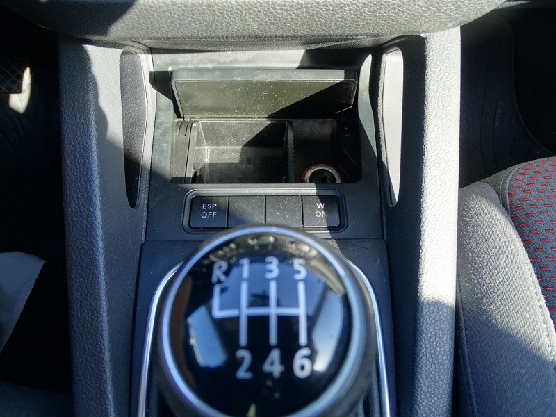 Photo 17 de l'offre de VOLKSWAGEN GOLF V 1.4 TSI 170CH GT SPORT 3P à 8790€ chez International Auto Auneau