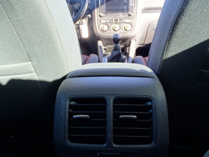 Photo 11 de l'offre de VOLKSWAGEN GOLF V 1.4 TSI 170CH GT SPORT 3P à 8790€ chez International Auto Auneau