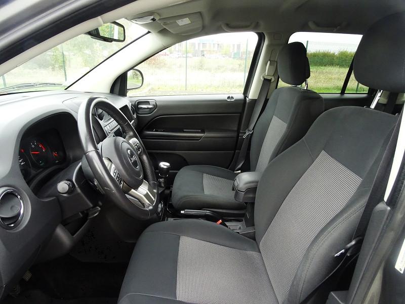 Photo 4 de l'offre de JEEP COMPASS 2.2 CRD 163 FAP SPORT 4X4 à 9890€ chez International Auto Auneau