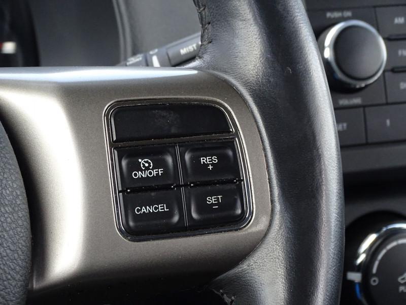 Photo 13 de l'offre de JEEP COMPASS 2.2 CRD 163 FAP SPORT 4X4 à 9890€ chez International Auto Auneau