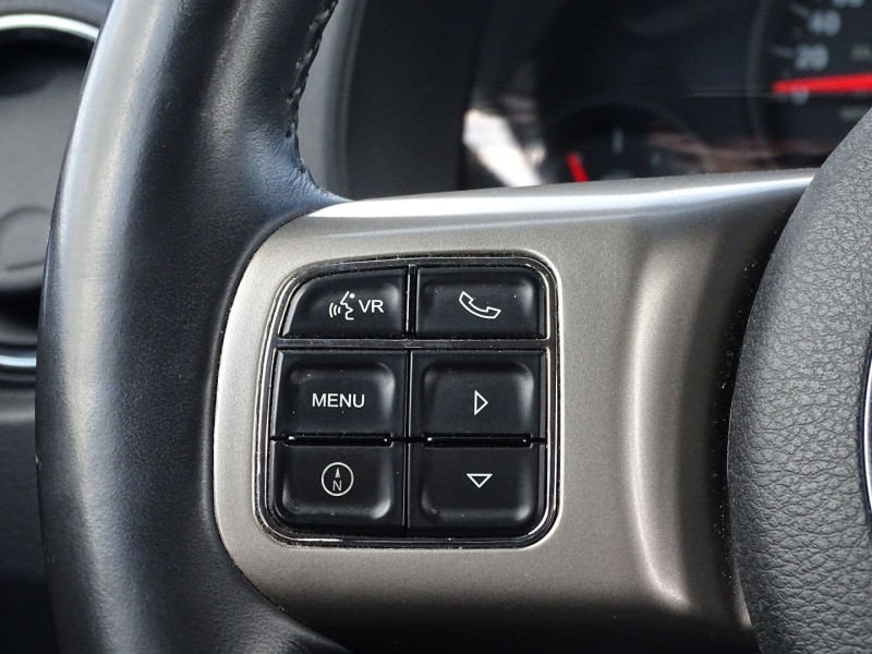 Photo 14 de l'offre de JEEP COMPASS 2.2 CRD 163 FAP SPORT 4X4 à 9890€ chez International Auto Auneau