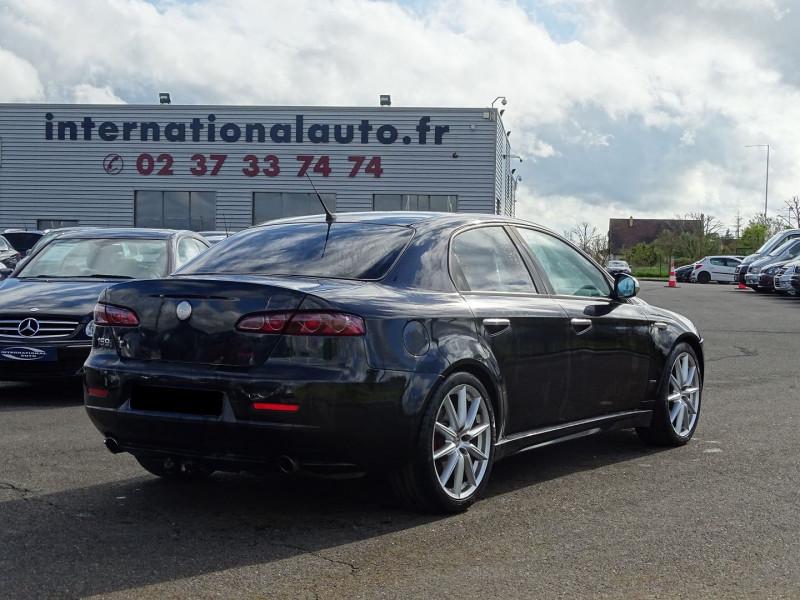 Photo 2 de l'offre de ALFA ROMEO 159 2.4 JTD210 20V TI à 8690€ chez International Auto Auneau