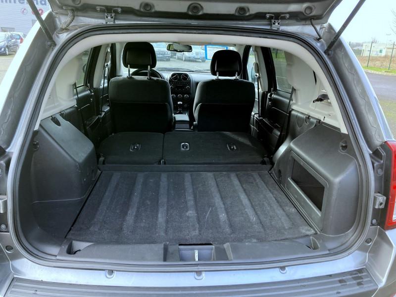 Photo 16 de l'offre de JEEP COMPASS 2.2 CRD 163 FAP SPORT 4X4 à 9890€ chez International Auto Auneau