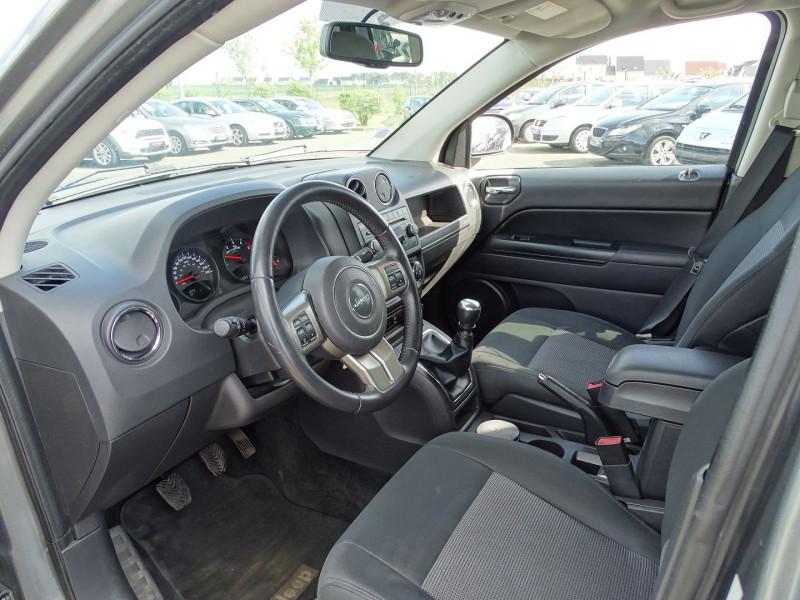 Photo 3 de l'offre de JEEP COMPASS 2.2 CRD 163 FAP SPORT 4X4 à 9890€ chez International Auto Auneau