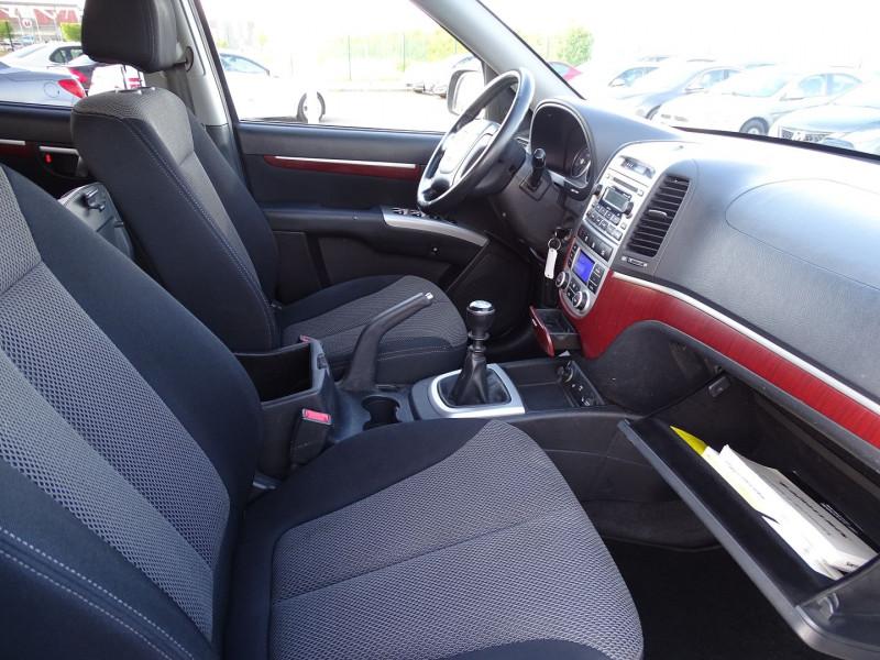 Photo 11 de l'offre de HYUNDAI SANTA FE 2.2 CRDI PACK CONFORT à 7890€ chez International Auto Auneau