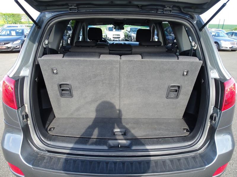 Photo 7 de l'offre de HYUNDAI SANTA FE 2.2 CRDI PACK CONFORT à 7890€ chez International Auto Auneau
