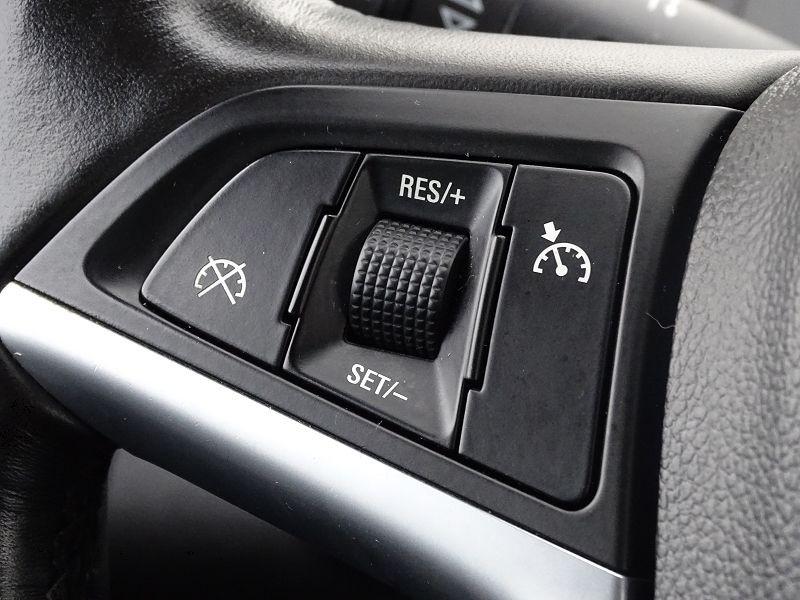 Photo 20 de l'offre de OPEL INSIGNIA 2.0 TURBO COSMO PACK BA 5P à 9990€ chez International Auto Auneau