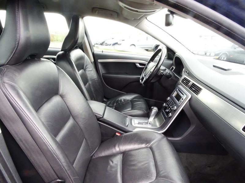 Photo 11 de l'offre de VOLVO V70 D3 163CH MOMENTUM GEARTRONIC à 6490€ chez International Auto Auneau