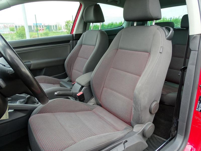 Photo 3 de l'offre de VOLKSWAGEN GOLF V 1.4 TSI 170CH GT SPORT 3P à 8790€ chez International Auto Auneau