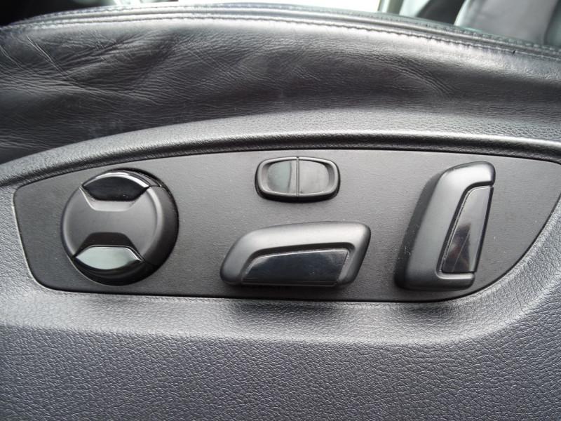 Photo 9 de l'offre de VOLKSWAGEN TOUAREG 3.0 V6 TDI 240CH FAP CARAT TIPTRONIC à 16690€ chez International Auto Auneau