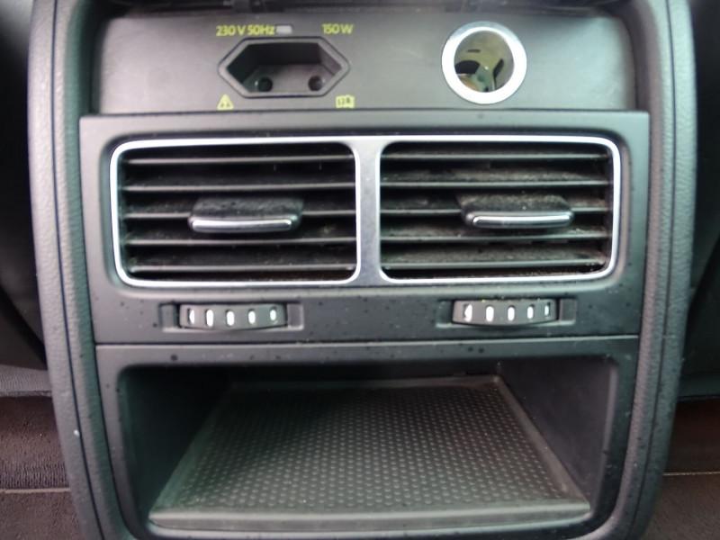 Photo 15 de l'offre de VOLKSWAGEN TOUAREG 3.0 V6 TDI 240CH FAP CARAT TIPTRONIC à 16690€ chez International Auto Auneau