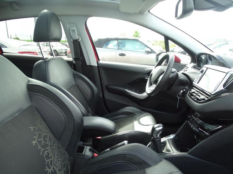 Photo 8 de l'offre de PEUGEOT 208 1.6 VTI FELINE 5P à 9390€ chez International Auto Auneau