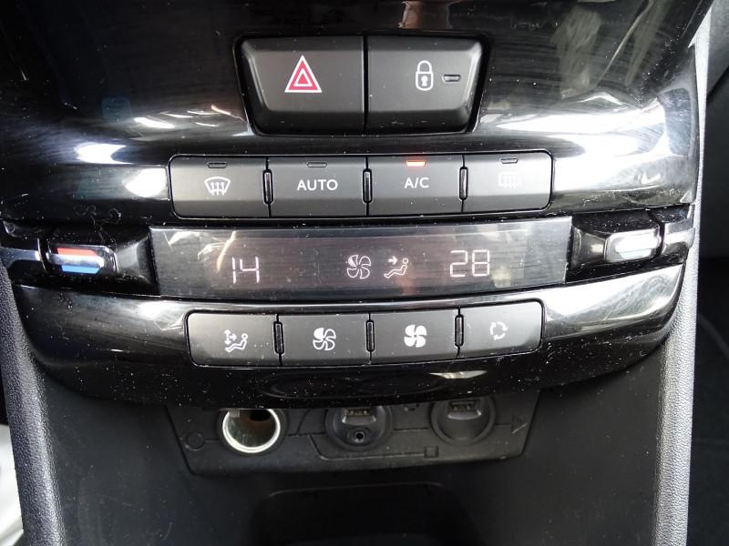 Photo 12 de l'offre de PEUGEOT 208 1.6 VTI FELINE 5P à 9390€ chez International Auto Auneau