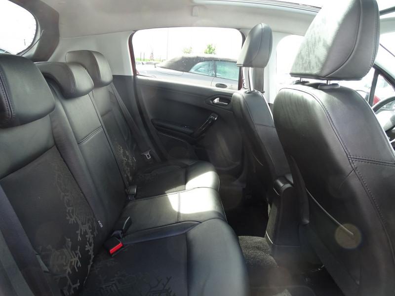 Photo 6 de l'offre de PEUGEOT 208 1.6 VTI FELINE 5P à 9390€ chez International Auto Auneau
