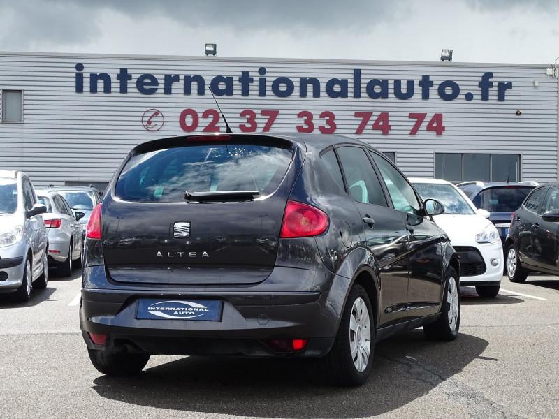 Photo 2 de l'offre de SEAT ALTEA 1.6 REFERENCE à 5290€ chez International Auto Auneau