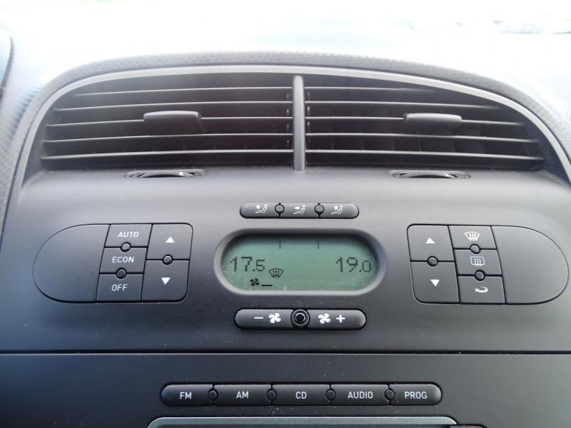 Photo 4 de l'offre de SEAT ALTEA 1.6 REFERENCE à 5290€ chez International Auto Auneau