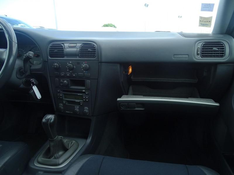 Photo 15 de l'offre de VOLVO V40 1.9 D 115CH TITANIUM à 4190€ chez International Auto Auneau