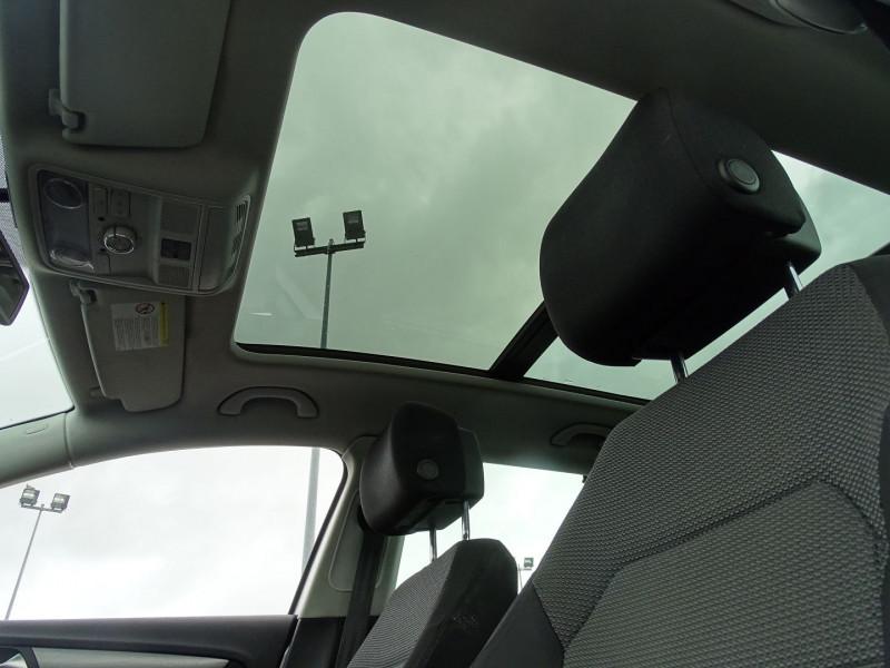 Photo 17 de l'offre de VOLKSWAGEN PASSAT SW 1.6 TDI 105CH BLUEMOTION TECHNOLOGY FAP BLUEMOTION à 8690€ chez International Auto Auneau