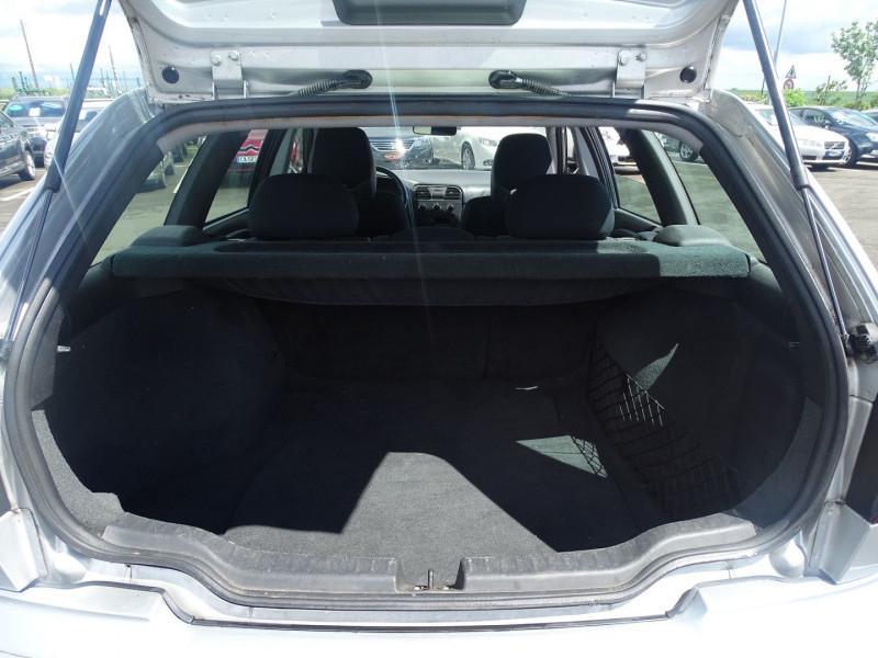Photo 8 de l'offre de VOLVO V40 1.9 D 115CH TITANIUM à 4190€ chez International Auto Auneau