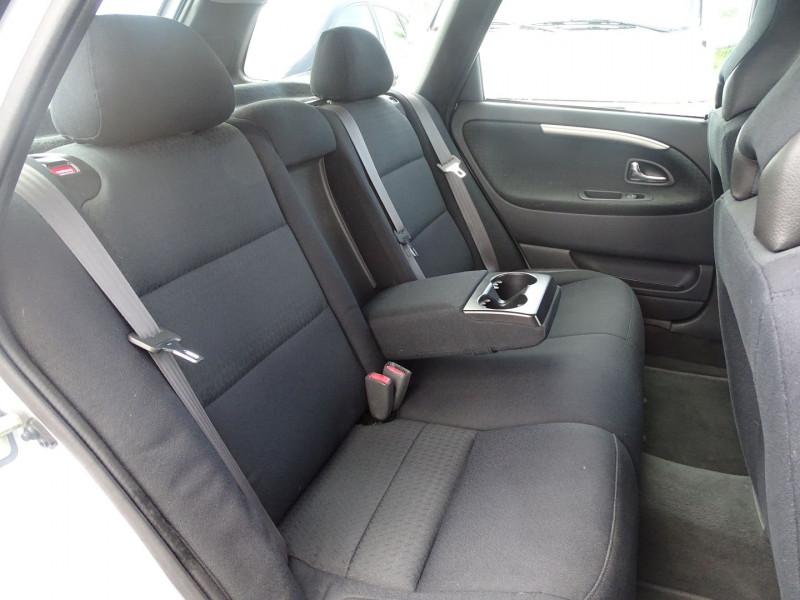 Photo 10 de l'offre de VOLVO V40 1.9 D 115CH TITANIUM à 4190€ chez International Auto Auneau