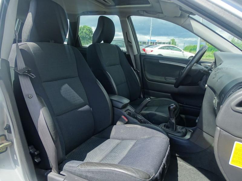 Photo 5 de l'offre de VOLVO V40 1.9 D 115CH TITANIUM à 4190€ chez International Auto Auneau