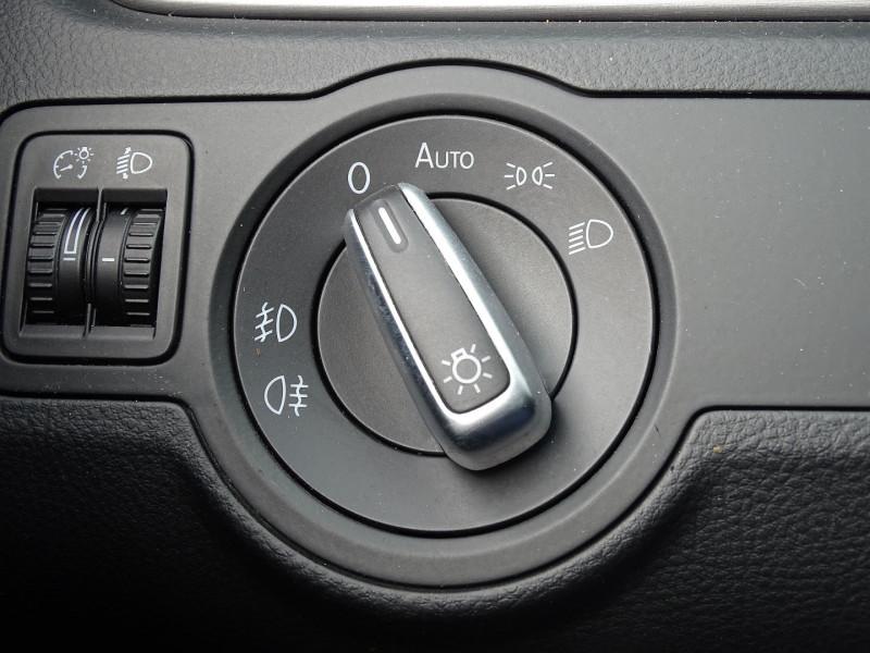 Photo 11 de l'offre de VOLKSWAGEN PASSAT SW 1.6 TDI 105CH BLUEMOTION TECHNOLOGY FAP BLUEMOTION à 8690€ chez International Auto Auneau