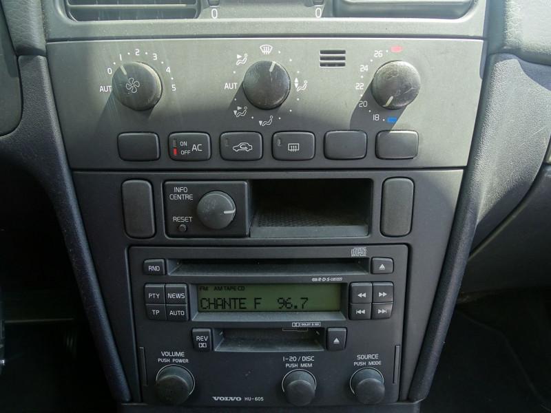 Photo 13 de l'offre de VOLVO V40 1.9 D 115CH TITANIUM à 4190€ chez International Auto Auneau