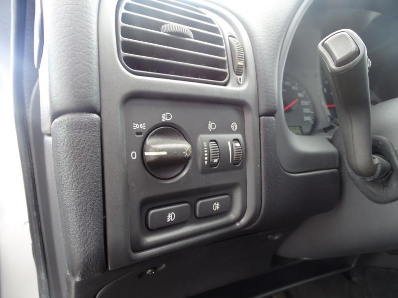 Photo 11 de l'offre de VOLVO V40 1.9 D 115CH TITANIUM à 4190€ chez International Auto Auneau