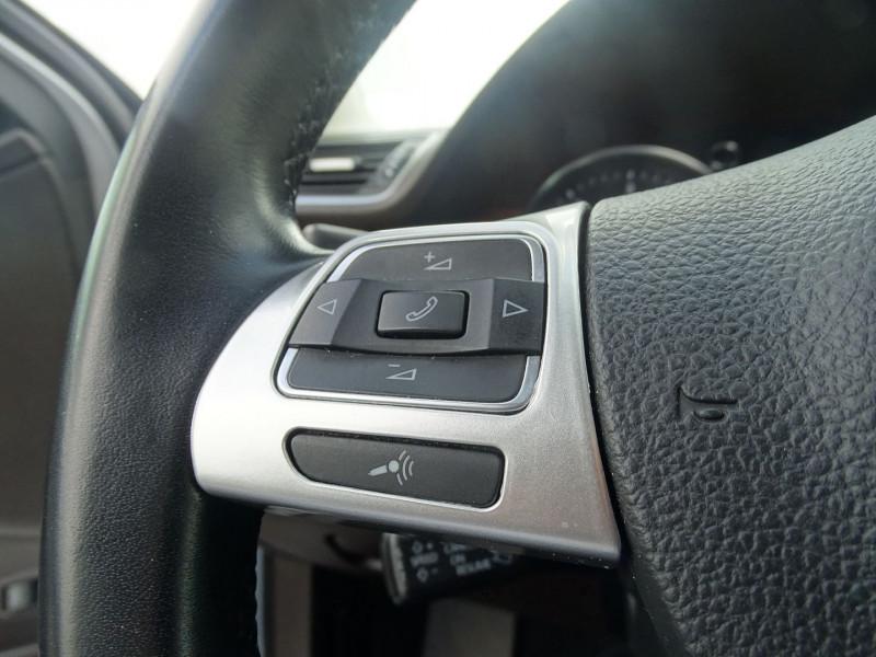 Photo 17 de l'offre de VOLKSWAGEN PASSAT SW 2.0 TDI 140CH BLUEMOTION TECHNOLOGY FAP CARAT DSG6 à 9890€ chez International Auto Auneau