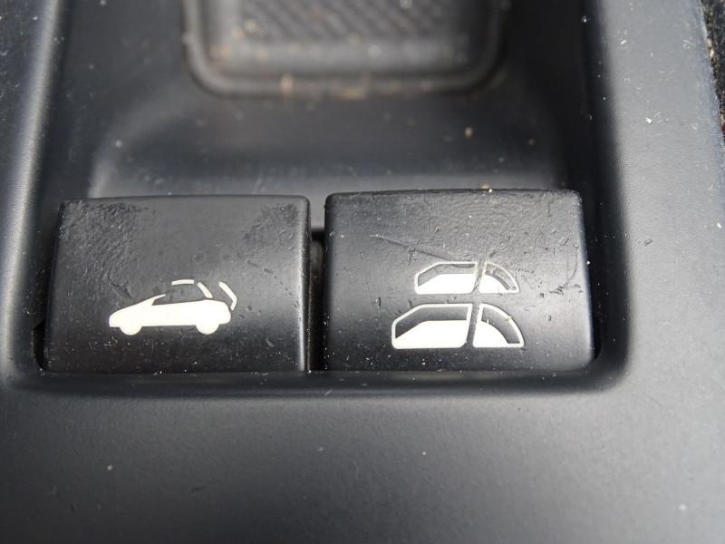 Photo 10 de l'offre de PEUGEOT 308 CC 2.0 HDI FAP SPORT PACK à 10490€ chez International Auto Auneau