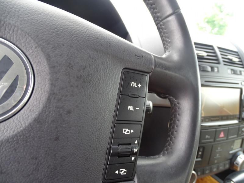 Photo 14 de l'offre de VOLKSWAGEN TOUAREG 3.0 V6 TDI 240CH DPF CARAT TIPTRONIC à 14890€ chez International Auto Auneau